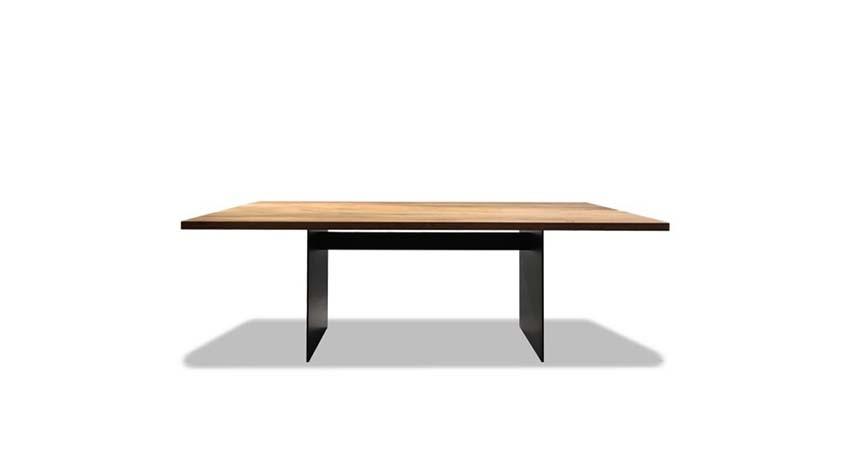 Tisch Genua