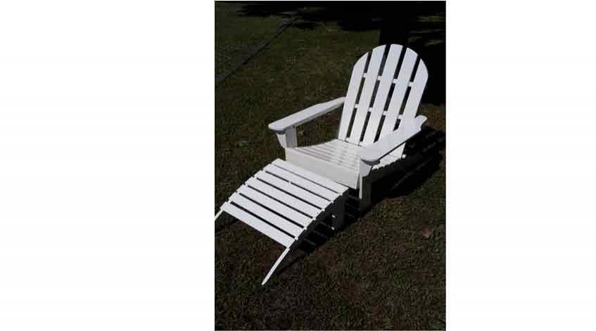 Liegestuhl aus Holz